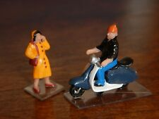 H0, Figurines Motor Scooter Vespa with Rider and Woman