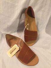 Women's Universal Threads Brown Lissa Asymmetrical Open Toe Sandals Size 9.5