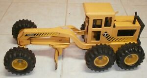 Vintage metal Tonka Grader / Pressed Steel Construction toy