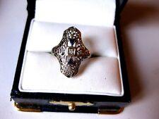 ANTIQUE 18K WHITE GOLD FILIGREE RING: DIAMOND & SAPPHIRES,ART DECO
