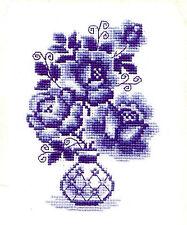 RIOLIS  839  Roses bleues  Broderie  Point de Croix compté