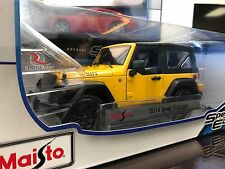 Maisto 1:18 Diecast Model Car - 2014 Jeep Wrangler Willys (Yellow)