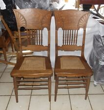Pair of Solid Quartersawn Oak Dinette Chairs / Sidechairs (Sc292)