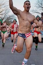 Shirtless Male Muscular Beefcake Speedo Runner Hot Dude  PHOTO 4X6 C1643