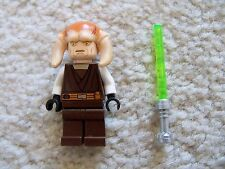 LEGO Star Wars - Rare Jedi Saesee Tiin Minifig w/ Updated Lightsaber - Excellent