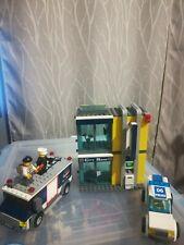 Lego City Bank & Money Transfer (3661) w/minifigures