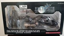 Final Fantasy VII Advent Children Play Arts Cloud and Fenrir Cycle - Square Enix