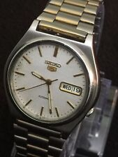 beautiful Seiko 5 Autmatic Day/Date 38mm Case Lovely White Design Face Gold Dail