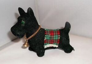 SMALL VINTAGE FLOCKED on CARD  BLACK SCOTTIE DOG