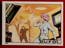 UFO - AN ALIEN INTRUDER THREATENS MOONBASE - Monty Gum (1970) - Card #35