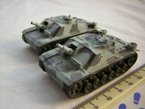 2 X Roco DBGM WW2 German Military StuG 3 Tanks Scale 1:87 20mm / 15mm