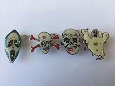 4 LED de luces de destello brillante Broche Pin Halloween fantasma cráneo insignia de niños