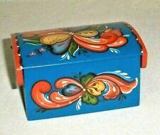 NORWEGIAN ROSEMALING WOOD TRINKET BOX SIGNED FOLK ART
