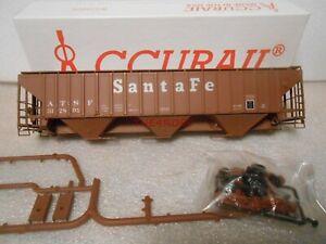Accurail Santa Fe PS 4750 Grain Hopper Car in Box HO #121
