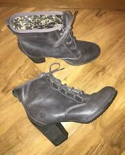 TIMBERLAND SIZE 6.5 GREY SUEDE ANKLE LACE UP BOOTS HEELS VGC