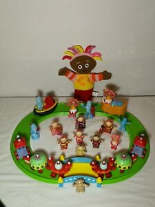 In the night garden ninky nonk train and track playset with extras