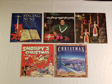 Lot of 5 Vintage Christmas Records  Snoopys  Nabors  fast shipping   VG+ to EX
