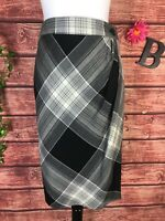 Talbots Skirt size 6 Black Ivory Plaid Wool Wrap Pencil Knee Stretch Preppy Slim