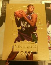 NBA collector card Vin Baker gold medallion edition bucks  95 96 fleer rare