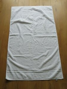 AJ TOWELLING.COM WHITE BATH TOWEL 100% COTTON 47 BY 27 INCHES