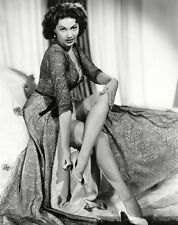 Yvonne De Carlo Unsigned 8x10 Photo (15)