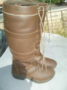 Country/Yard Boots Size 6 ladies