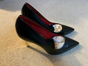 River Island Chain Heel Court Shoe   black/gold   size 7   new
