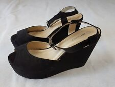 Hot Tin Roof Ladies Shoes Platform Size 8 Black Peep Toe Suede Sandal Womens