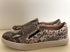 Ladies Snake Skin Animal Print Flat Shoes Size 8 By Mantaray
