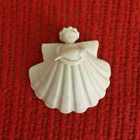 Vtg 1984 Margaret Furlong Angel with Dove Bird Seashell Ornament