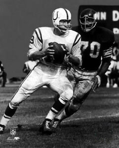 Jim Marshall vs JOHNNY UNITAS Baltimore Colts v Vikings Premium NFL POSTER Print