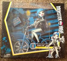 """Monster High FRANKIE STEIN 12"""" Exclusive Doll w/ Boltin Bicycle Bike NEW IN BOX"""
