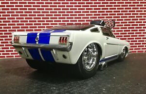 MUSCLE MACHINES Slammed & Raked 1966 Ford Mustang Shelby G.T. 350 1/18 scale