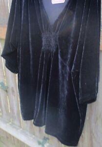 4X Women's Plus Black Velvet Pullover top, short sleeve, NWT, Silhouettes Brand