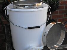 15lt Honey Settling Bucket and Stainless Steel Sieve