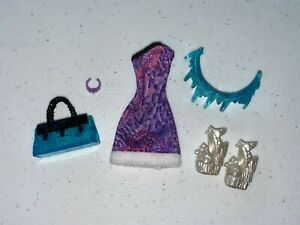 Monster High Abbey Bominable Scaris Clothes and Accessories