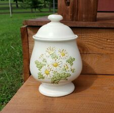 Vintage Sculptured Daisy canister metlox Poppytrail