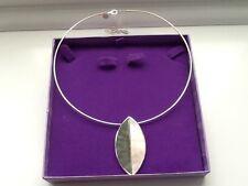 Lovely Necklace Never Used Leaf Design