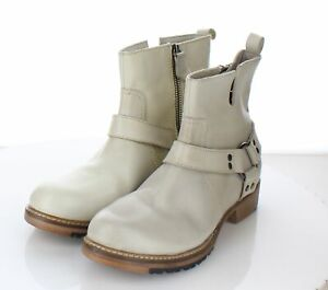 W40 NEW Women's Sz 10.5 M Vintage Foundry Leather Ankle Buckle Booties
