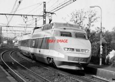 PHOTO  FRENCH TRAIN - SNCF TGV AT COMBS-LA-VILLE-QUINCY  OCT 1990