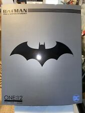 BATMAN ASCENDING KNIGHT - Mezco One:12 Collective 6 inch Black & Grey version