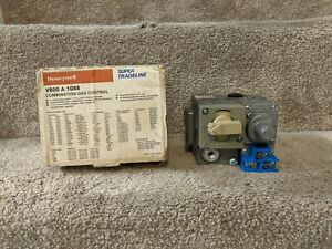 Honeywell V800A-1088 Furnace Gas Valve - Gray / Cream