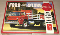 AMT Ford C600 Stake Bed with Coca Cola Machines Coke 1:25 model kit new 1147