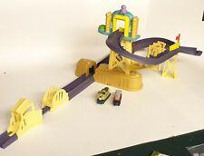 Chuggington Motorised Training Yard Playset with Jump, 2 Trains and Extra Track