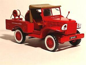 Véhicule de pompiers  dodge  1/43  CORGI -- pompiers  de Beziers