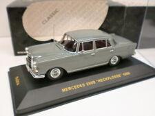 IXO 1/43 - MERCEDES 200D HECKFLOSSE 1966