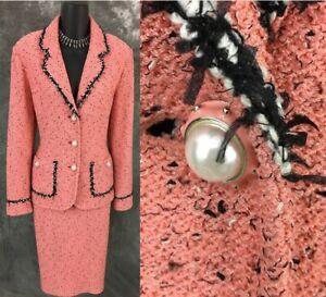 BEAUTIFUL St John knit pink blcck white fringe pearl jacket skirt suit 10