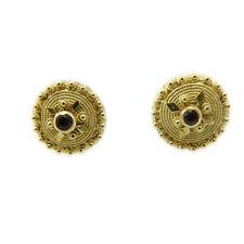 Orecchini a bottone sardo filigrana in oro giallo con pietra realizzati a mano