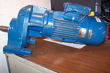 LENZE MOTOR WITH GEAR  REDUCER 220 / 308V 1400 RPM 2.95 HP