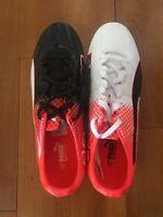 BNiB Puma Evospeed 1FG Jn 63 Football Boots Boys Sz 5.5UK (38.5)